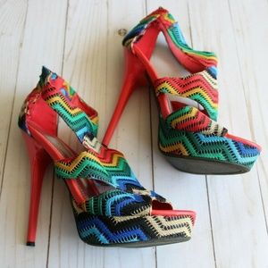 Women's 7.5 Colorful Woven Knit Heel PRIDE Shoes